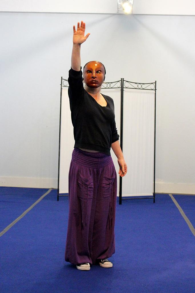 Atelierforian - improvisation avec un masque neutre
