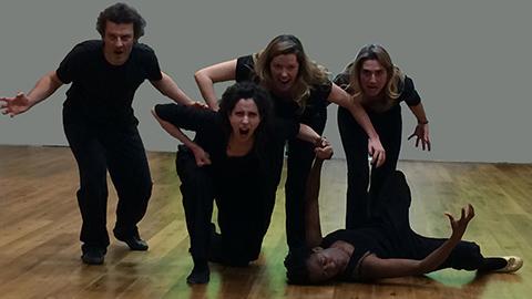 exercices de groupes, choeur, mime et composition scéniques