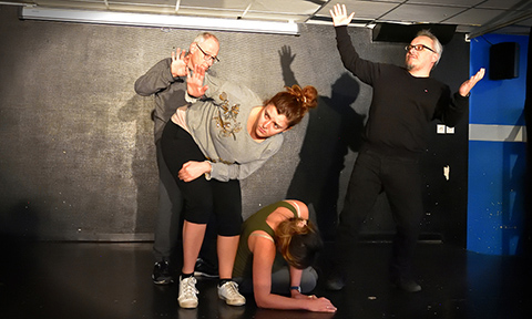 improvisation workshop : body expression ; exercices on emotions